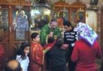 Кфар-Ясиф. Литургия в храме во имя святого великомученика Георгия Победоносца. Причастие.