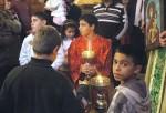 Кфар-Ясиф. Литургия в храме во имя святого великомученика Георгия Победоносца. Служки.