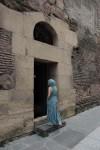 «Молитва». Портрет жены. Вход в базилику Анчисхати. Тбилиси, Грузия. 2011