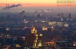 Центр Москвы в тумане. Автор Евгений Беззубцев
