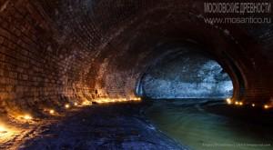 Подземная речка Неглинка. Автор Евгений Беззубцев