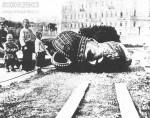 Снос памятника Александру III в Москве
