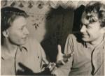 14. Братья Володя (слева) и Саша (справа). Как всегда, за оживленной беседой