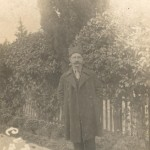 Надежин Алексей Васильевич (1889 – ?) – родной брат моей прапрабабушки; был офицером; к началу Великой Отечественной не подлежал призыву, но ушел добровольцем на фронт. Попал в окружение под Смоленском; пропал без вести.
