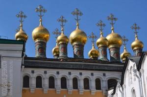 Верхоспасский собор (Теремные церкви ) в Московском Кремле — обиходное название комплекса домовых церквей русских царей при Теремном дворце.