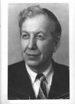 Алексей Александрович Скворцов (1891-1977) выдающийся мастер портретной живописи на фарфоре. Автор Портретов вождей в росписи сервиза «Первое метро в СССР» (1935).